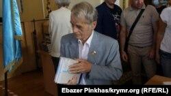 Qırımtatar halqınıñ lideri Mustafa Cemilev