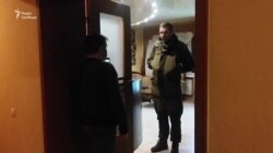 Через блокаду на Донеччині стався конфлікт між нардепом Парасюком і блогером Дзиндзею (відео)