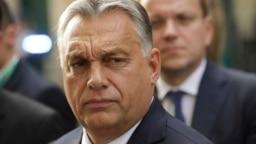 Orbán Viktor miniszterelnök az Európai Néppárt brüsszeli ülésére érkezik 2018. október 17-én
