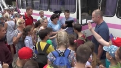 Токсичні викиди у Криму: дітей вивозять із Армянська – відео