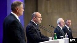 Президентите на Румъния, България, Латвия и Полша - Клаус Йоханис, Румен Радев, Егилс Левитс и Анджей Дуда, дадоха съвместна пресконференция