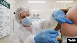Вакцинация российским «Спутником V» в клинике в Беларуси. Минск, 29 декабря 2020 года.
