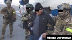 Задержание Дуйшона Торокулова. Фото: ГКНБ.