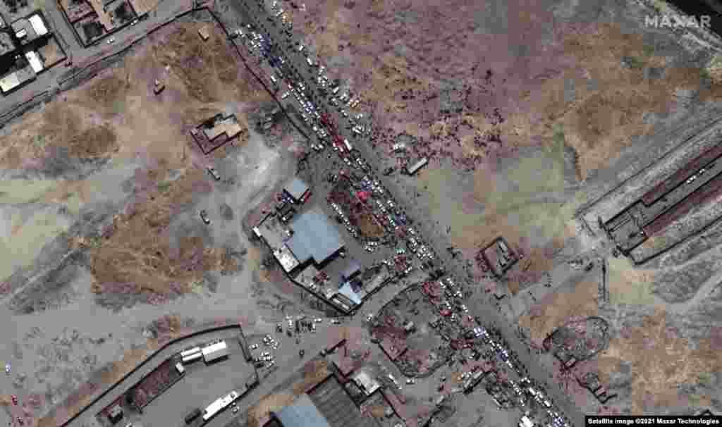 Міжнародны аэрапорт у Кабуле – адзіная магчымасьць пакінуць краіну.