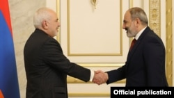 Armenia - Prime Minister Nikol Pashinian meets with Iranian Foreign Minister Mohammad Javad Zarif, Yerevan, May 26, 2021.