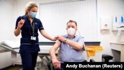 Vakcinisanje cjepivom Oxford-AstraZeneca, Velika Britanija