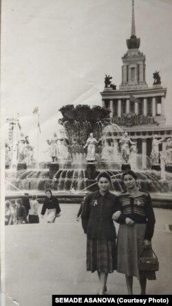 Zampira ve Mürşide Asanovalar Moskvada