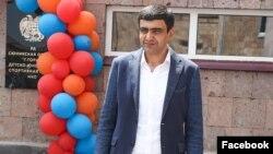 Armenia - Mayor Arush Arushanian visits a newly repaired sports school in Goris, June 5, 2021.
