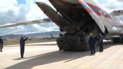 Перші компоненти ракетних комплексів С-400 доставили в Туреччину – відео