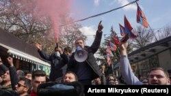 25 феврал, тарафдорони мухолифони ҳукумати Арманистон дар майдони марказии Ереван ҷамъ мешаванд