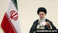 د ایران ستر مشر ایات الله علي خامنه اي