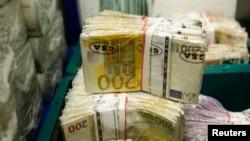 După ce a profitat de o lege dată de comisia Iordache, un fost magistrat s-a reangajat și urmează să primească o pensie specială de peste 3.000 de euro pe lună.