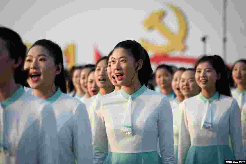 Az ének sem hiányozhatott az ünnepi műsorból.