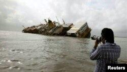 Фотограф Reuters Даниш Сиддики за работой (архивное фото)