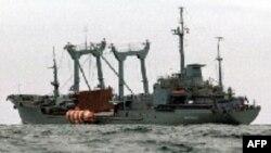 Многие родственники погибших винят в трагедии командование ВМФ России