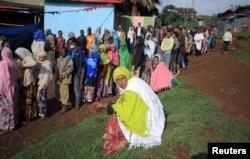 Red na biračkom mjestu tokom etiopskih parlamentarnih i regionalnih izbora u Beshasi, Etiopija, 21. juna 2021.