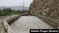 Водораспределительный объект «Головной» на реке Ак-Суу на кыргызско-таджикской границе.