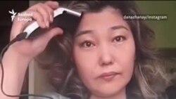 Kopaszra borotválták a fejüket kazah nők a politikai szabadságért