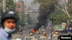 În Myanmar continuă protestele împotriva loviturii de stat