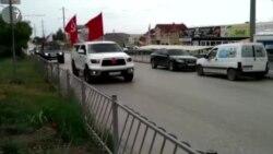 После военного парада в Симферополе по городу проехала колонна машин с советскими флагами (видео)