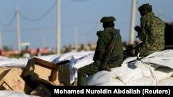 Илустрација - Безбедносни сили на контролен пункт во Судан