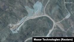 Сателитска снимка од локацијата на нуклеарниот комплекс Натанз