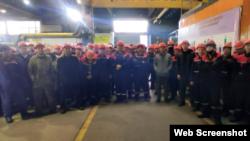 Кентау трансформатор зауыты жұмысшыларының ереуілі. Түркістан облысы, 12 ақпан 2021 жыл. Видеодан алынған скриншот.