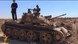 Сиријските бунтовници во Алепо