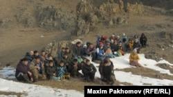 Тьилгаяк. В селе Каракол 450 жителей, 50 из них пришли на молебен