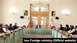 نشست میان افغانان در ایران با اشتراک هیئتهای افغانستان و طالبان