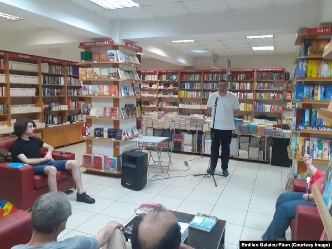 Historien et député PAS Virgil Pâslariuc, lors du lancement du volume « La République de Moldavie à la croisée des chemins », par Josette DURRIEU et Florent PARMENTIER, Cartier, 2021, 24 juin 2021