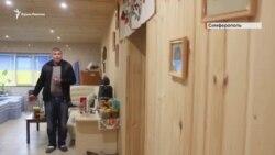 «Он обслуживает вражеский лагерь»: история врача-патриота из Крыма (видео)
