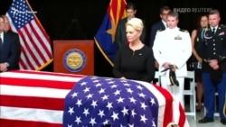 Аризона попрощалась с сенатором Маккейном (видео)