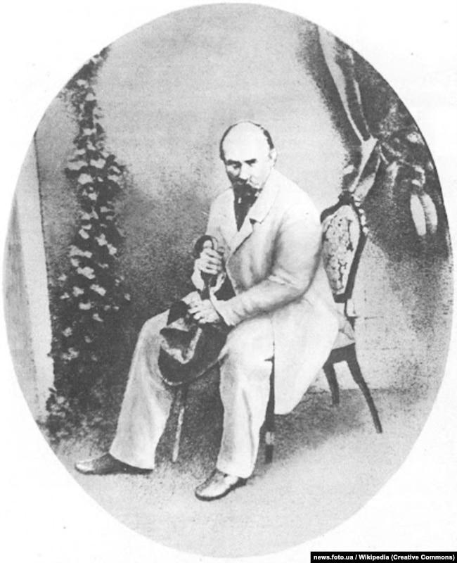 Тарас Шевченко. Київ, 1859 року. Фотографію зроблено в майстерні Івана Гудовського