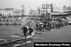 Civilians return to Koenigsberg after the end of the war.