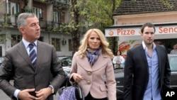 Presidenti i Malit të Zi, Millo Gjukanoviq, me bashkëshorten Lidija dhe djalin e tyre, Bllazho.