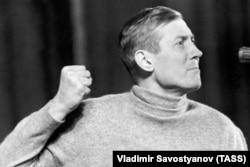 Евгений Евтушенко, 1966 год