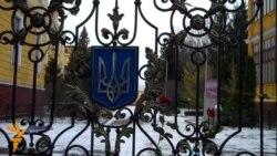 Львів'яни привітали військових і закликали не бити людей