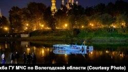 Затонувший теплоход в Вологде