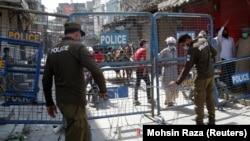 ارشیف، پاکستاني پولیس