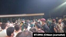 9 avgust kuni Sergeli tumanidagi Choshtepa mahallasi ahli ham Zangiota tumaniga o'tkazilish rejasiga qarshi o'z noroziligini ifodaladi.