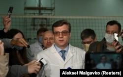 Александър Мураковски, директор на болницата в Омск, където е приет Навални, говори пред журналисти