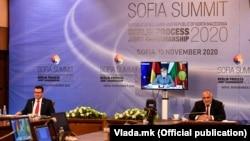Bugarski premijer Bojko Borisov i makedonski premijer Zoran Zaev, te njemačka kancelarka Angela Merkel tokom regionalnog samita u Sofiji
