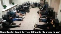 مهاجران بازداشت شده از بلاروس در لیتوانیا