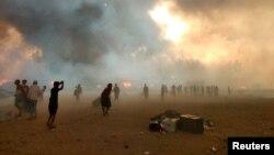 Фотографија од пожарот во бегалскиот камп во Бангладеш