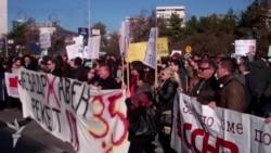 Протест поради новите давачки за хонорарците