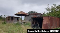 Остатки рыболовецкого причала в деревне Лисье на границе с Эстонией