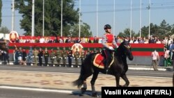 30 de ani de secesiune. Paradă militară pentru independența unui stat inventat