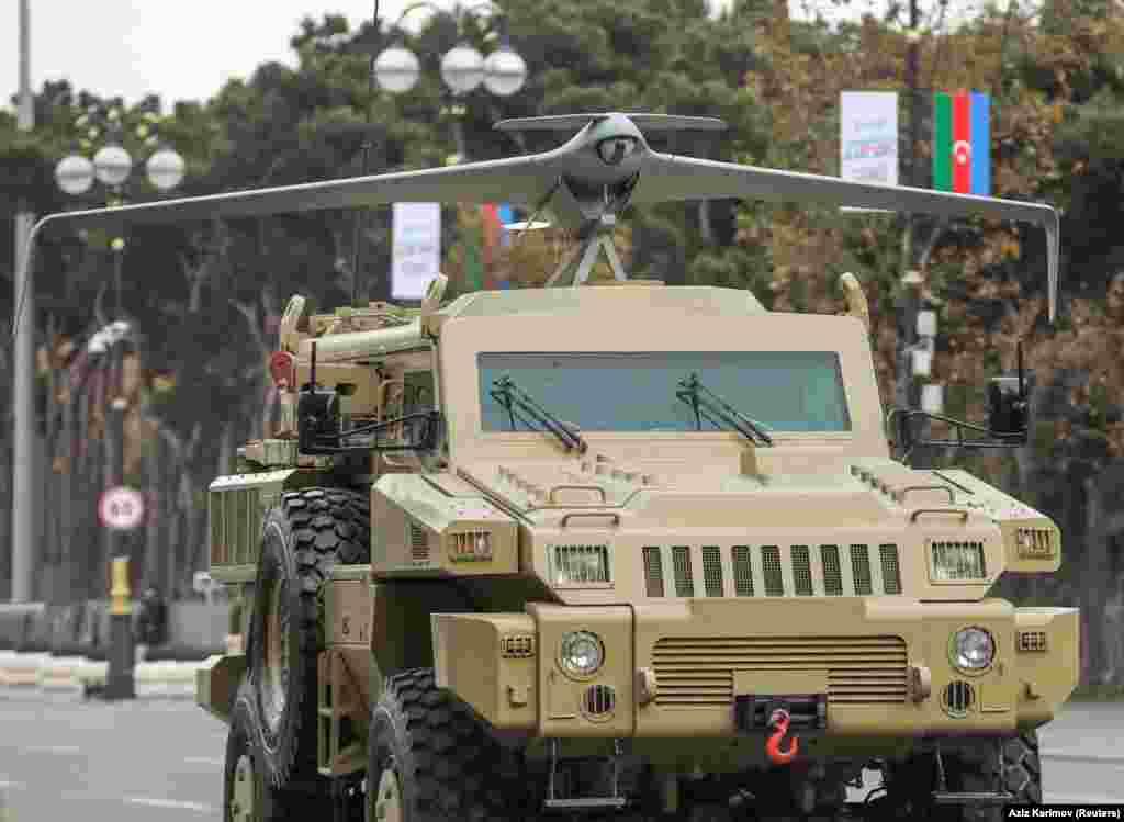 Бронетранспортер азербайджанской армии с установленным БПЛА