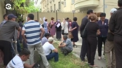 Азия: Атамбаев остается под стражей